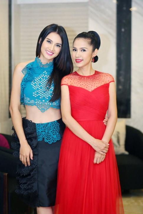 Việt Trinh, Jennifer Phạm vào top sao đẹp