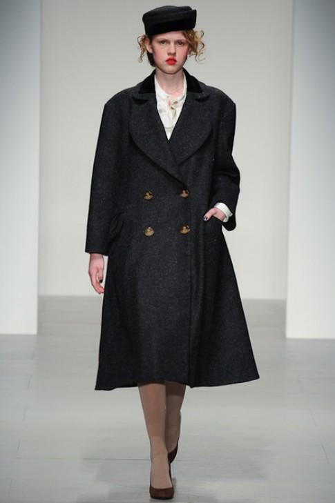 Vivienne Westwood không nổi loạn trong sưu tập mới