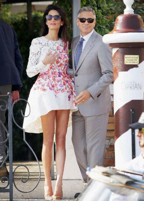 Vợ mới cưới của George Clooney mặc đẹp nhất tuần