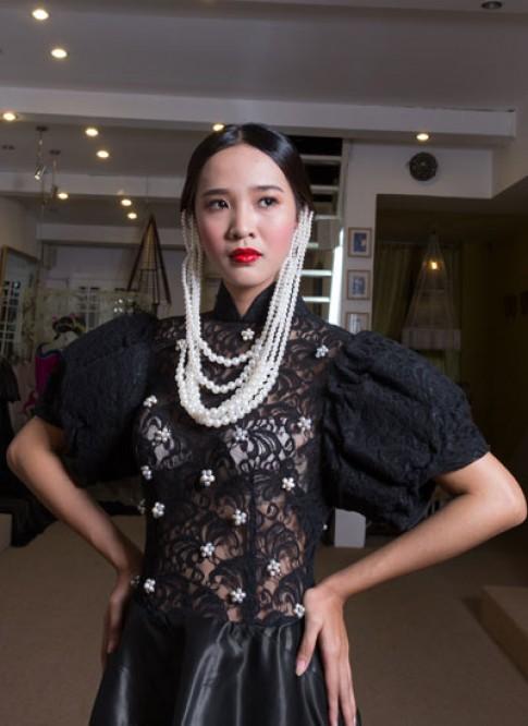 Võ Việt Chung chuẩn bị váy Couture đi Mỹ