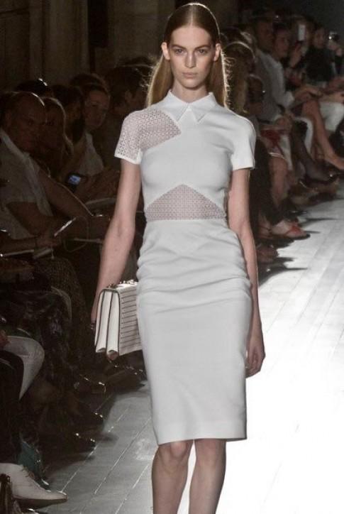 Xu hướng khoe da thịt xâm chiếm New York Fashion Week