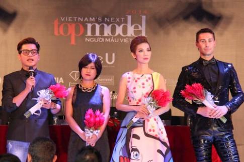 Xuân Lan 'chỉnh' thí sinh Next Top Model tại họp báo