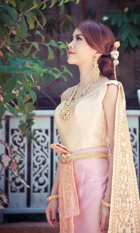 Yến Trang, Yến Nhi hóa thành cô gái Thái Lan