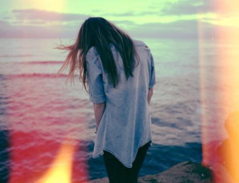 Yêu thương không thuộc về tôi, tôi cũng chẳng cần giữ lại làm gì!