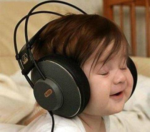 10 cách rèn trí thông minh cho bé bằng âm nhạc