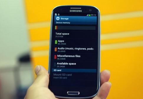5 điện thoại xách tay mới về VN