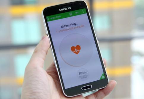 5 smartphone cao cấp đổ bộ vào VN trong tháng 4