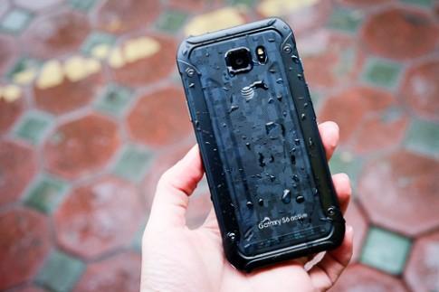 5 smartphone cao cấp siêu bền