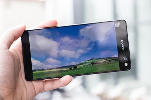 5 smartphone màn hình lớn, giá tốt mới về Việt Nam