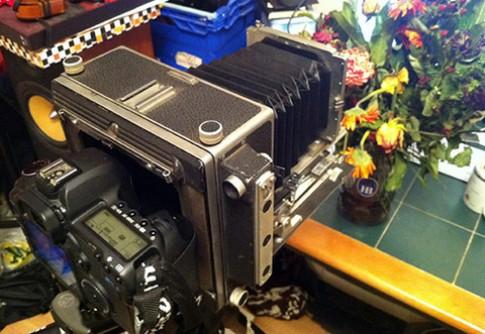 5D Mark II dùng làm 'phim máy ảnh'