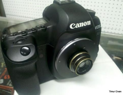 5D Mark II dùng ống kính hơn 100 năm tuổi quay video