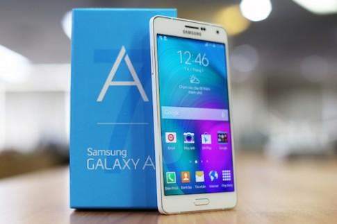 9 smartphone giảm giá mạnh trong tháng 4