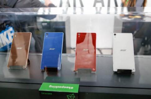 Acer ra smartphone hỗ trợ 3 SIM và thiết bị đeo tay