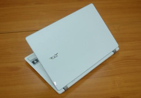 Acer V3-371 - laptop giá rẻ, nặng chỉ 1,5 kg