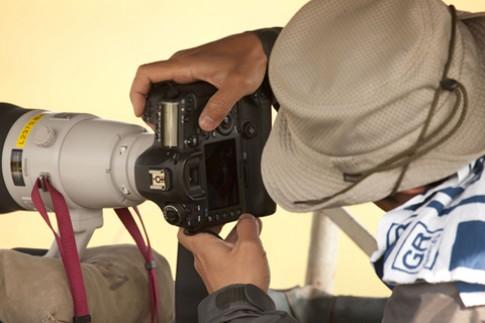 Ảnh Canon 5D Mark III/7D Mark II xuất hiện