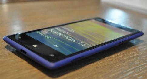 Ảnh chi tiết HTC Windows Phone 8X màu xanh
