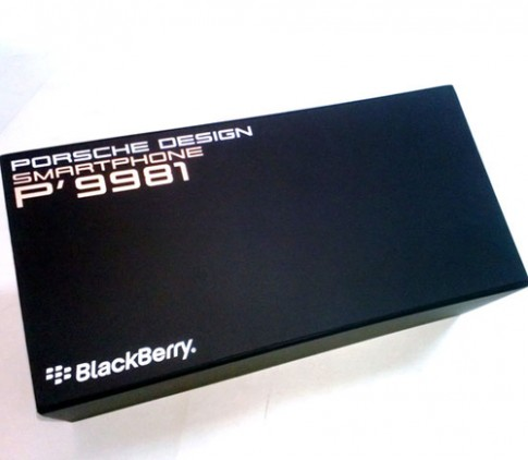 Ảnh đập hộp BlackBerry Porsche Design P'9981 chính hãng