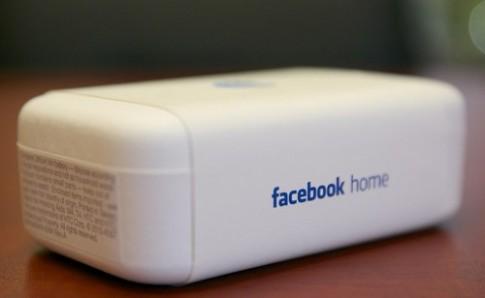Ảnh 'đập hộp' điện thoại Facebook HTC First
