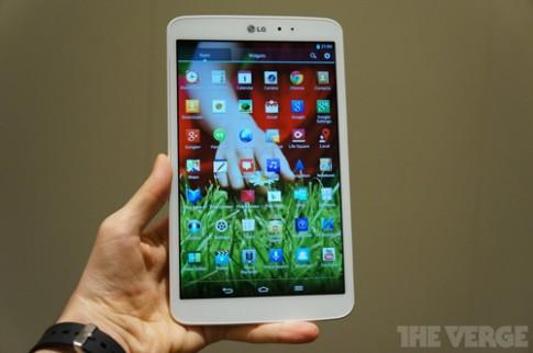 Ảnh LG G Pad 8.3 có vỏ nhôm chắc chắn, màn hình đẹp