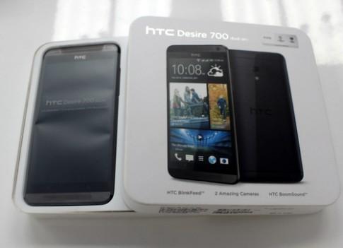 Ảnh mở hộp HTC Desire 700
