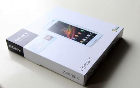 Ảnh 'mở hộp' Sony Xperia C