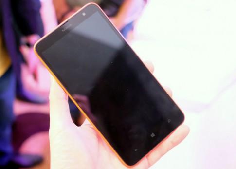 Ảnh Nokia Lumia 1320 ở Việt Nam