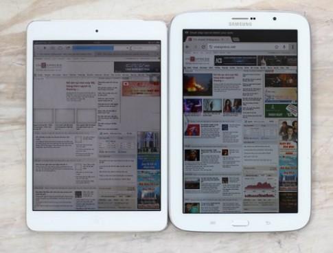 Ảnh so sánh Galaxy Tab 8.0 và iPad Mini