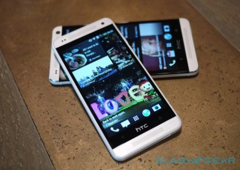 Ảnh so sánh HTC One Mini với HTC One