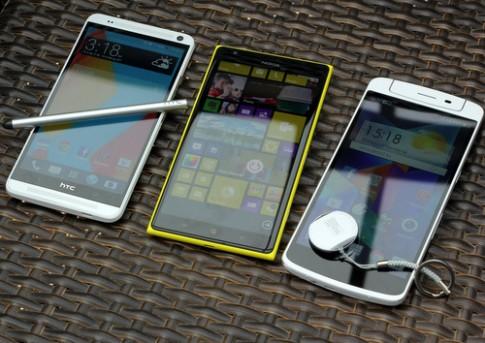 Ảnh so sánh Nokia Lumia 1520, Oppo N1 và HTC One Max