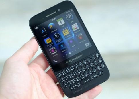 Ảnh thực tế BlackBerry Q5 bản thử nghiệm