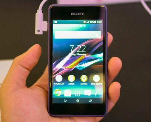 Ảnh thực tế bộ đôi smartphone giá rẻ của Sony