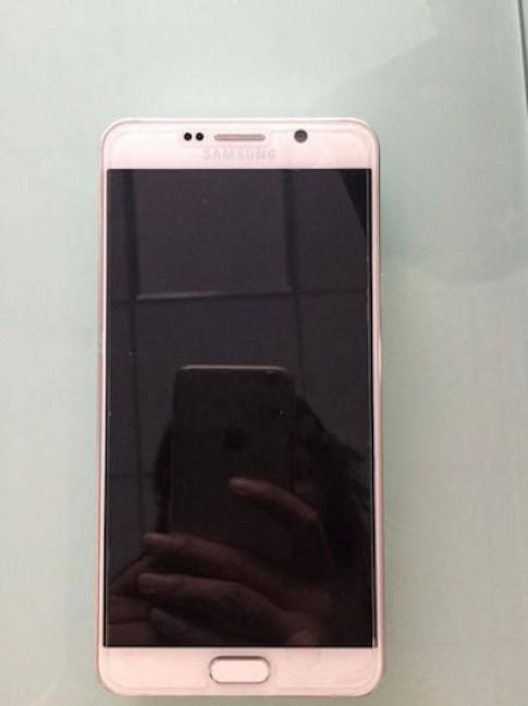 Ảnh thực tế của Galaxy Note 5 và S6 Edge Plus lộ diện