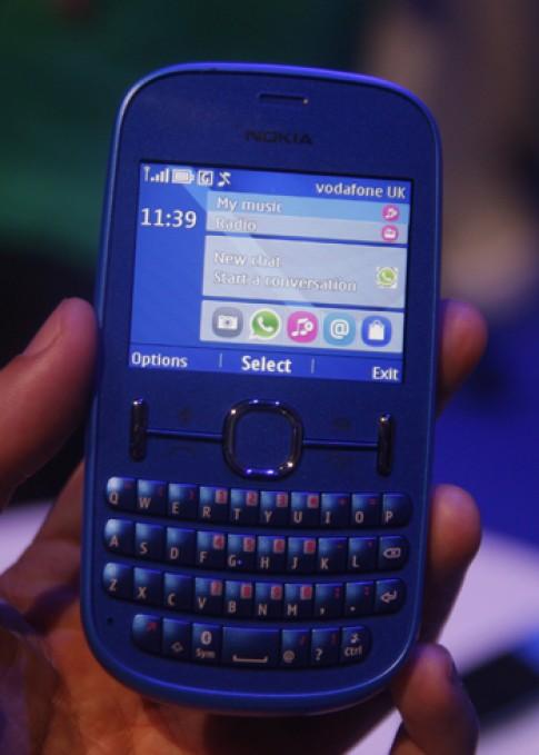 Ảnh thực tế điện thoại giá rẻ Nokia Asha 201