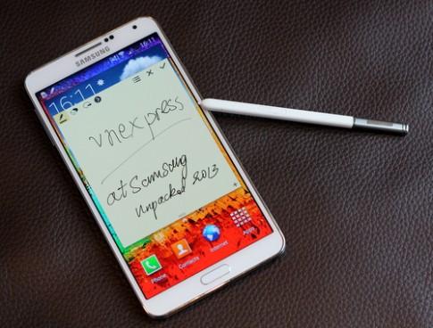 Ảnh thực tế Galaxy Note 3 vừa trình làng