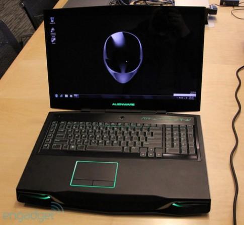 Ảnh thực tế 'hàng khủng' Alienware M18x