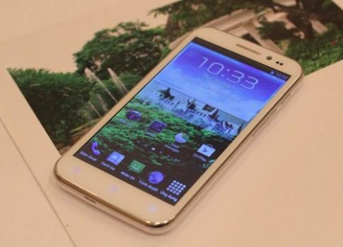 Ảnh thực tế HKPhone Revo HD2