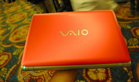 Ảnh thực tế laptop chạy AMD Fusion của Sony