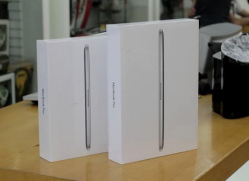 Anh thuc te MacBook Pro Retina tai Ha Noi