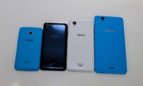 Ảnh thực tế những Windows Phone thương hiệu Việt đầu tiên