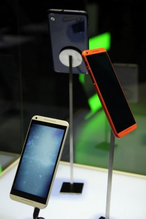 Ảnh thực tế phablet 5,5 inch tầm trung HTC Desire 816