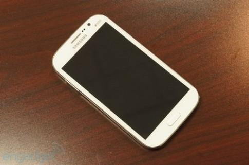 Ảnh thực tế Samsung Galaxy Grand Duos màn hình 5 inch