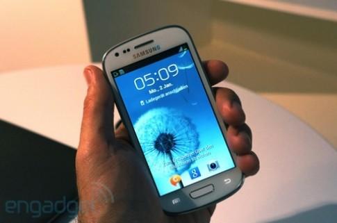 Ảnh thực tế Samsung Galaxy S III Mini