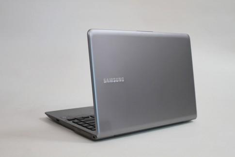 Ảnh thực tế Samsung Series 5 Ultra bản mới
