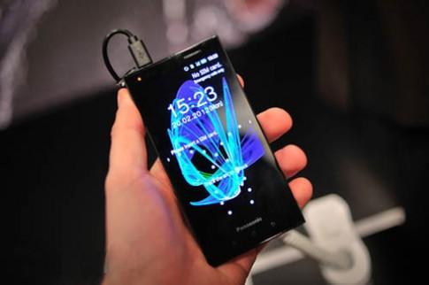 Ảnh thực tế smartphone chịu nước Eluga