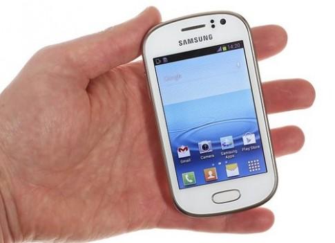 Ảnh thực tế smartphone Galaxy Fame giá rẻ 200 USD