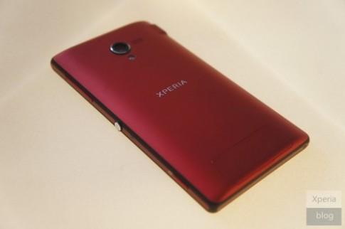 Ảnh thực tế Sony Xperia ZL bản đặc biệt màu đỏ