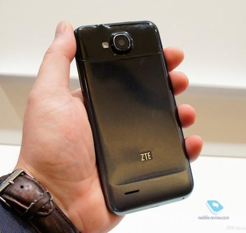 Ảnh thực tế ZTE Grand Era V985 và Grand X LTE T82