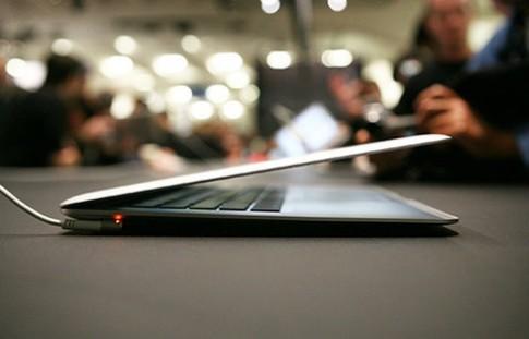 Apple hoãn ra mắt Macbook Air để hoàn thành Lion OS