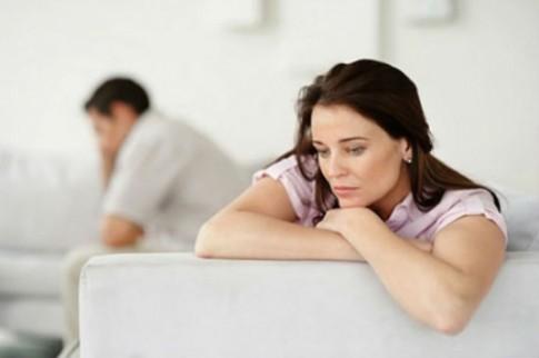 Bị bồ của chồng chửi ngu vì để lộ mật tin