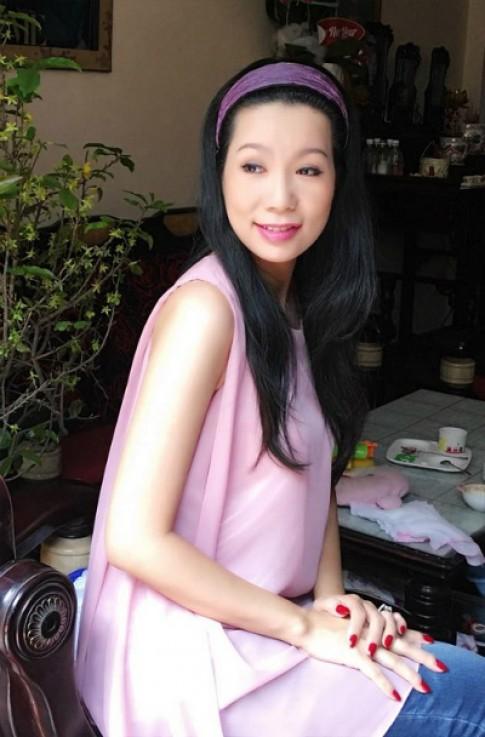 Bí quyết ngăn rụng tóc từ gốc của sao Việt